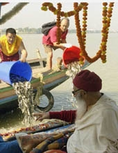 DVAXX photo Chatral Rinpoche_Fish Release Calcutta